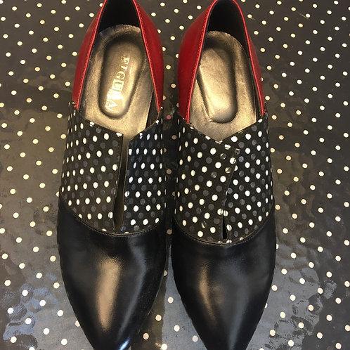 נעלי מלאני שחור, נקודות ואדום יין
