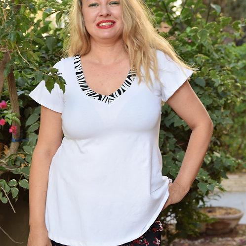 חולצת מאיה לבנה בשילוב זברה