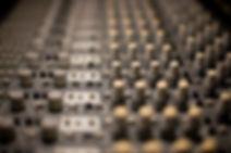 Consolas de Ingeniería en Audio y Producción musical en G Martell. Contamos con equipo de vanguardia
