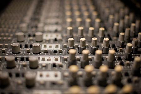 Console mixage analogique studio Lyon