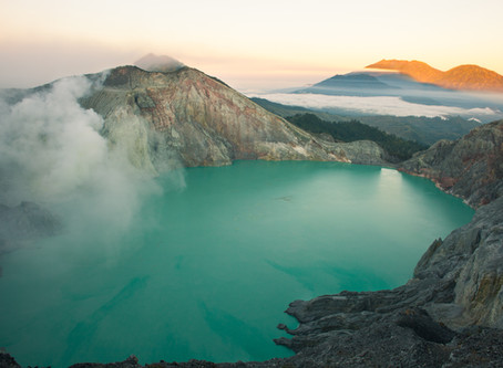 Into the flame, Ijen Crater