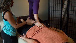 Fasciashi barefoot massage training