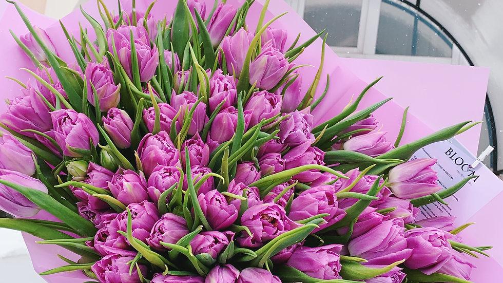 Моно букет из 101 пионовидного тюльпана