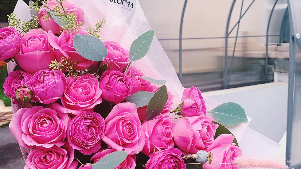 Дуобукет из роз и эвкалипта