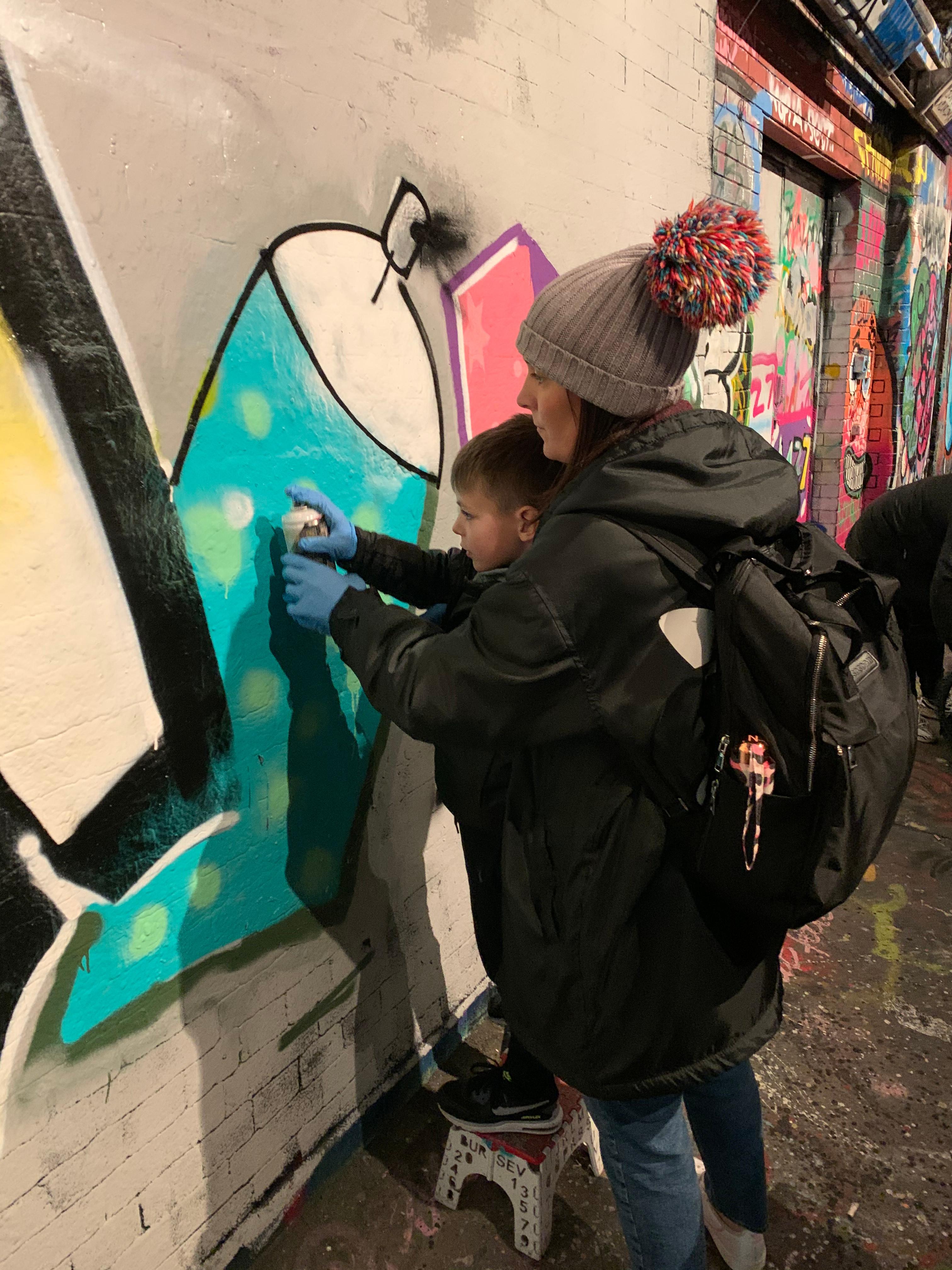 Graffiti workshop 2 adults + 2 children