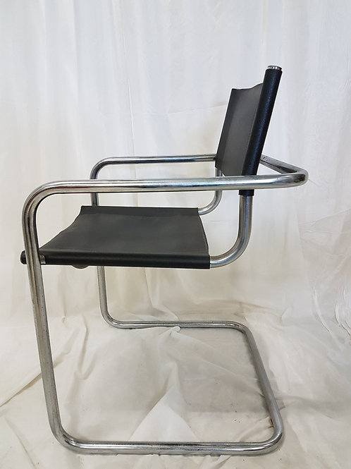 Bauhaus 4 eetkamer stoelen / Per stuk