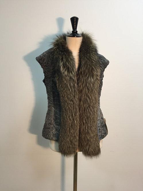 Vest astrakhan and fox