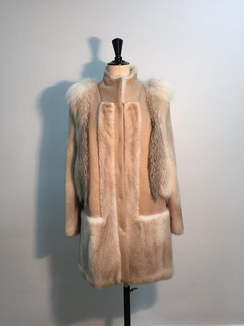 Coat with mink beige