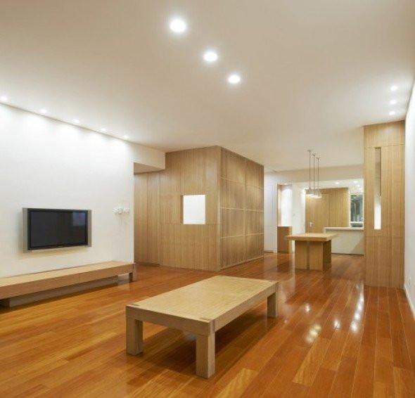 Tsutsumi & Associates