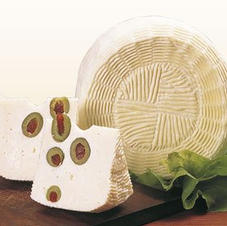 Pecorino mit Oliven