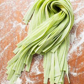Frische grüne Pasta