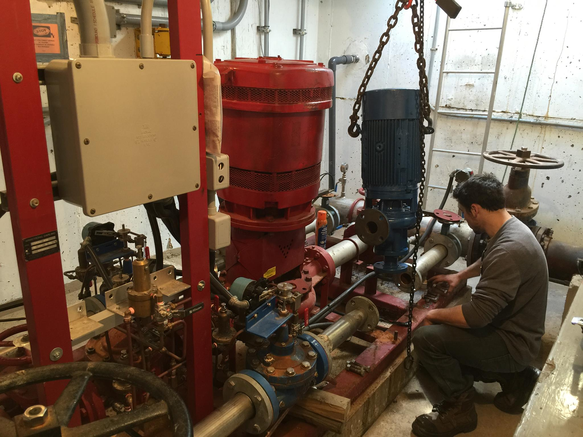 Pompe de surpression pour aqueduc.