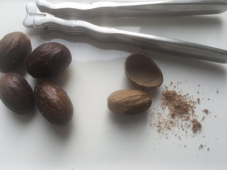 Nutmeg - Whole