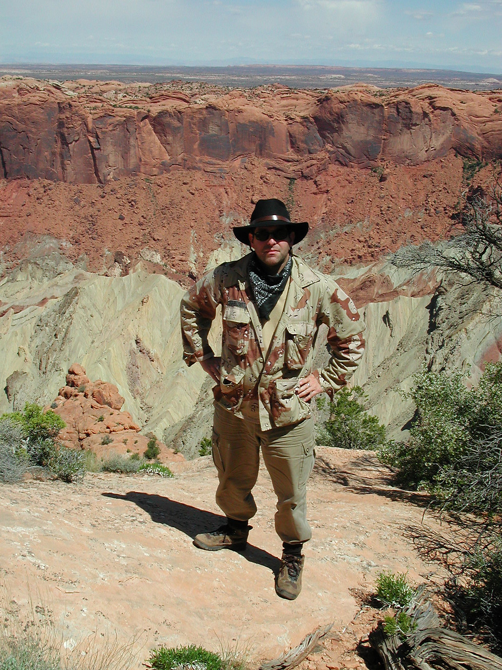 Adventurer Geoff Notkin on the rim of the Upheaval Dome, Alamo Breccia Expedition, 2001.   Photo © Desert Owl Productions.
