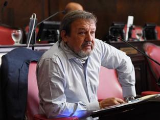 Senador Roberto Costa afectado por virus difícil de combatir