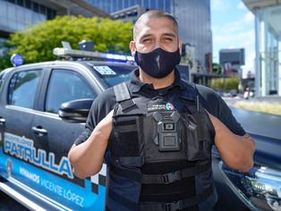 Policías portan cámaras en chaleco y filman en tiempo real