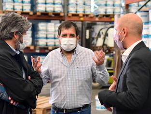 Crecimiento: el intendente Fernando Moreira y Guillermo Merediz junto a las PyMes