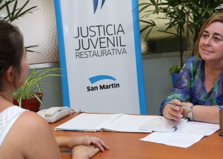 San Martín rechaza las balas: es distinguido internacionalmente por trabajo con jóvenes
