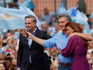 """Macri se despidió en la """"plaza de la traición"""""""