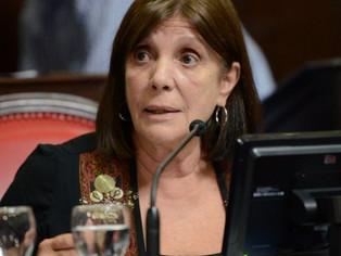 Teresa García encabezaría lista de senadores provinciales