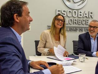 Sujarchuk omite runrunes y firma convenio con Malena Galmarini
