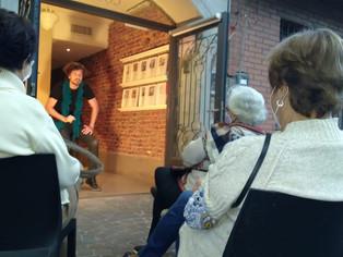Convierten veredas en teatro urbano