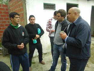 César Torres busca comer peones peronistas en la provincia
