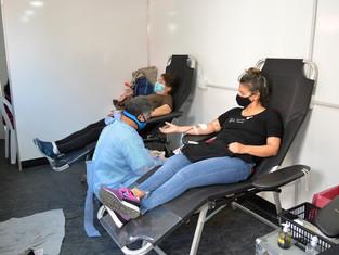 """Los y las tigrenses pusieron el brazo para la campaña """"Donar sangre salva vidas""""."""