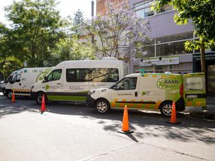 Mientras se recalienta Cambiemos:Jorge Macri pasa con la ambulancia
