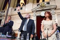 Fernández, con firmeza y sensatez, metió el bisturí prometiendo querellar, por criminal, a Macri