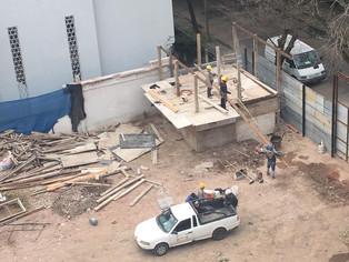 Extraño combo en La Lucila: torres, vecinos indignados, policías y COVID