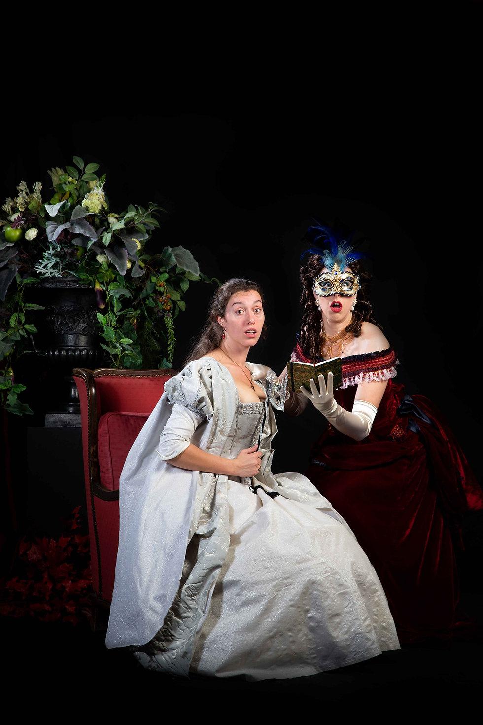 Dames in historische theaterkledij voor venetiaans bal - Avothea Gent