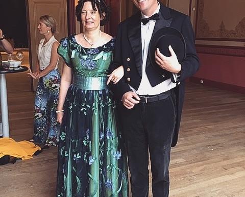 Avothea kleedt feestenburgemeester Bal 1900!