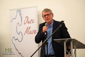 MC Stephen Hobbs at Ouse Muse