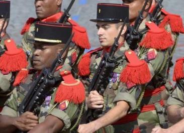 Un beau défilé militaire !