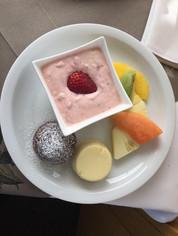 sommerlicher Dessertteller