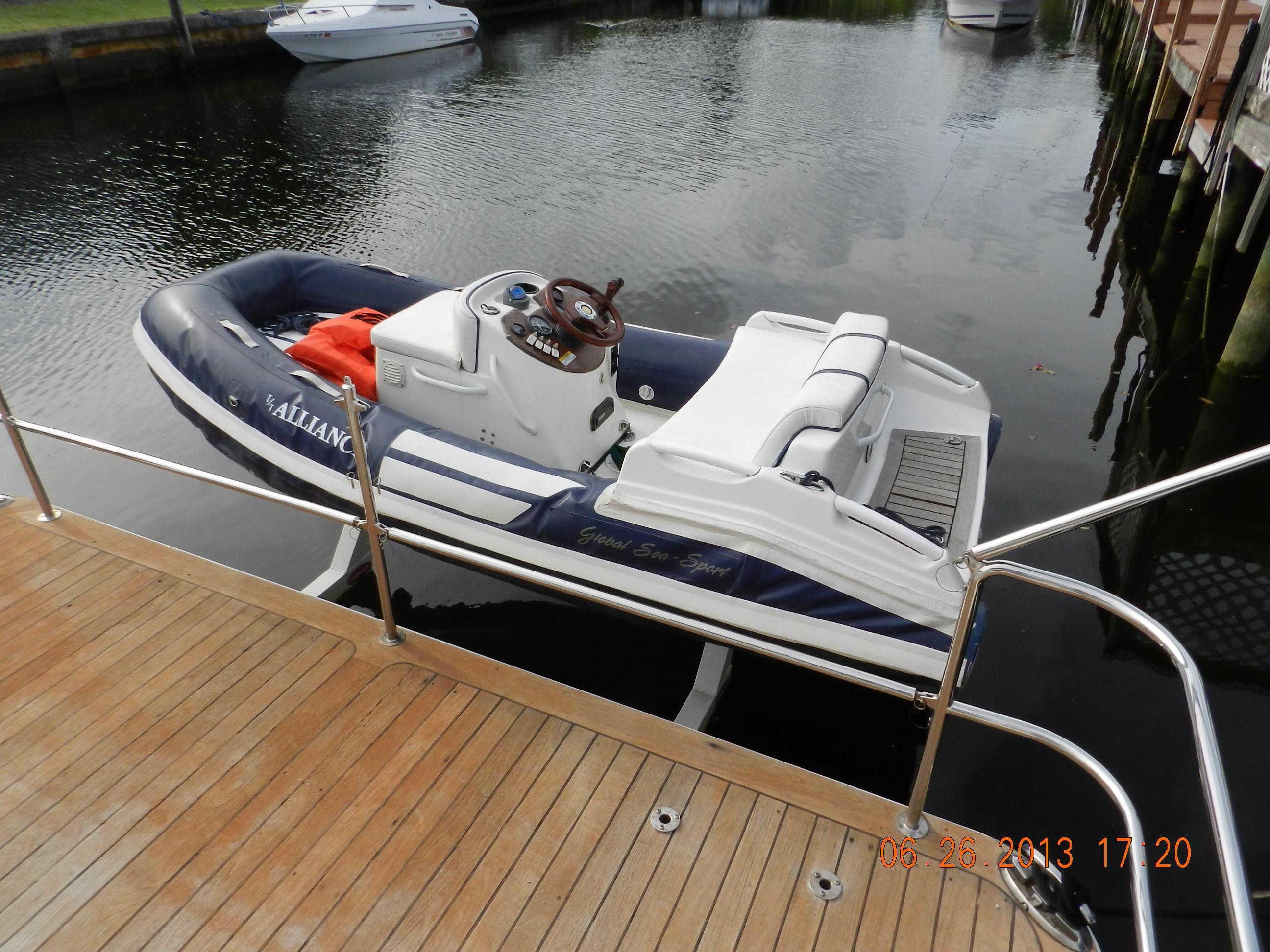 Alliance_yacht_June_2013 014