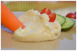Vegane Aioli (Knoblauch) Soße gemacht mit Aquafaba