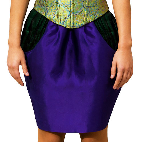 En Flor Pencil Skirt with accented pockets