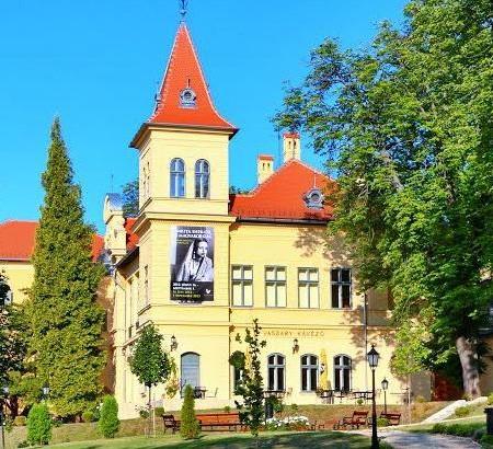 Balatonfüred_Vaszary_Galéria.jpg
