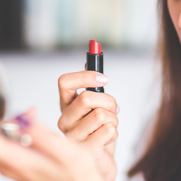 Do Different Shades of Lipstick Make Your Teeth Look Whiter?