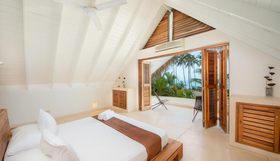 Villa Del Mar HD interior - bedroom quee