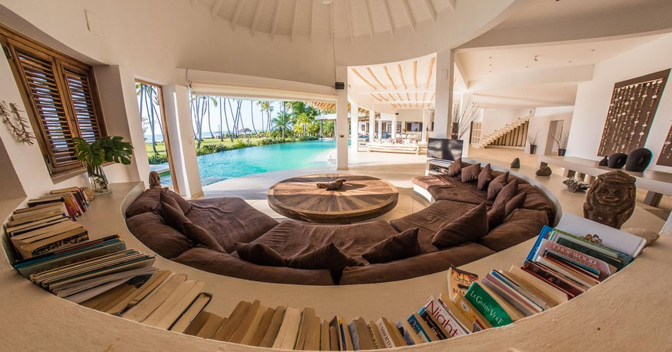 Villa Del Mar rename - 4 outside couch p