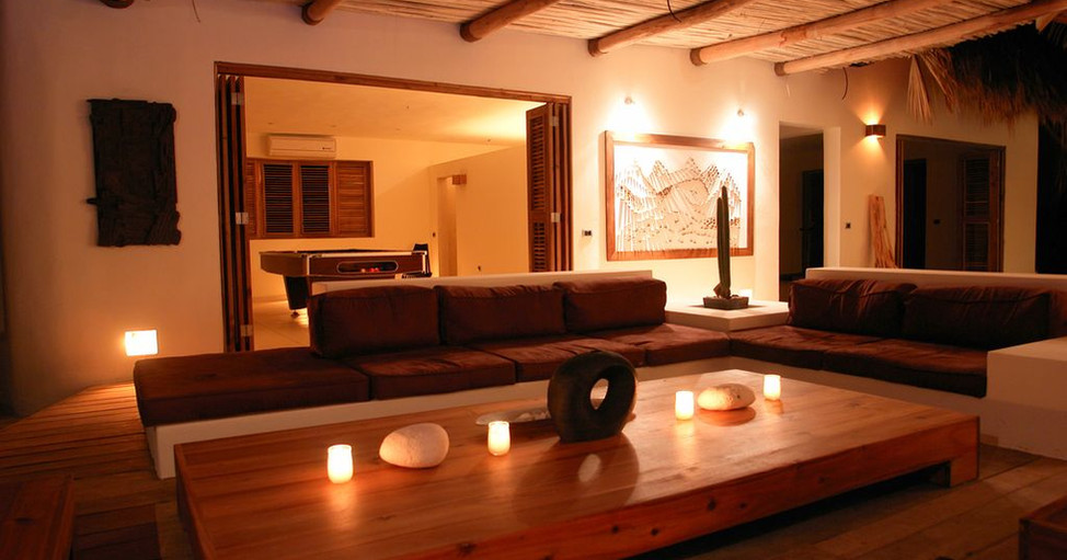 Villa Del Mar rename - 3 pool table and