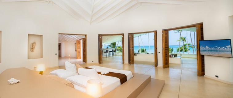 Villa Del Mar HD interior - Open Upstari