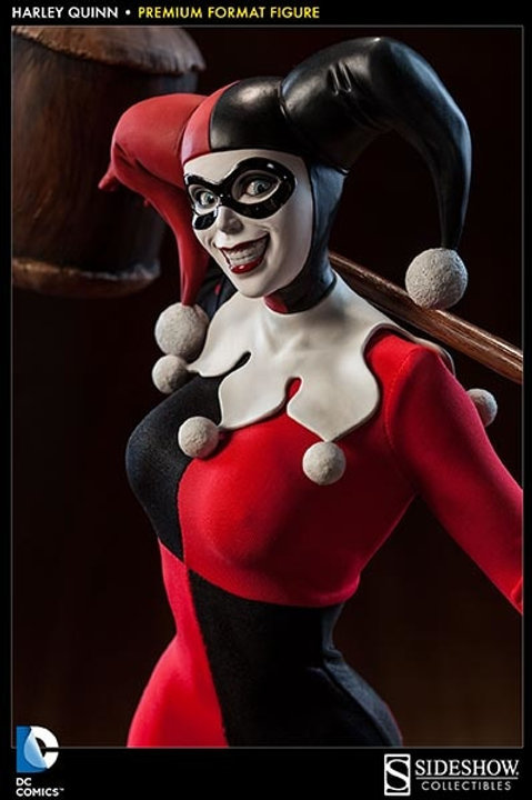 Sideshow Collectibles Harley Quinn Premium Format 1/4 scale