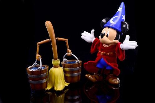 Herocross Disney Sorcerer Mickey and Magic Broom