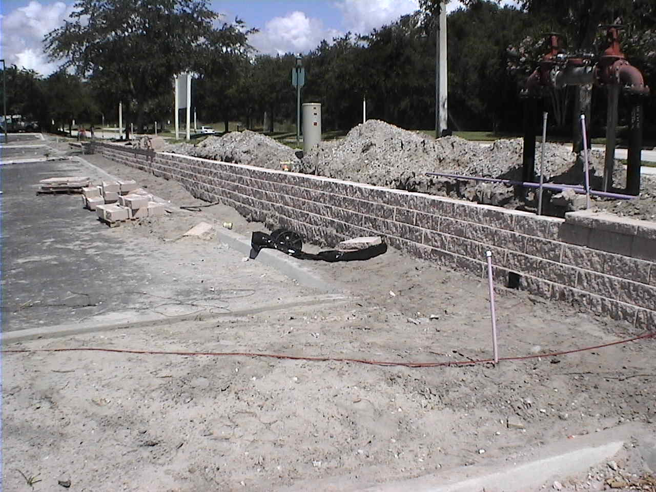 retaining wall construction.JPG