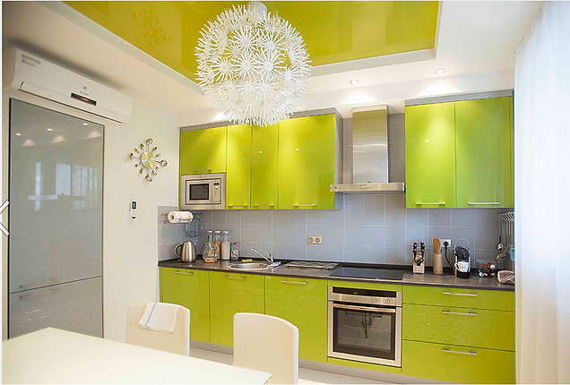кухонный гарнитур фасады пластик  акрил  , фурнитура блюм,Столешница 38 мм