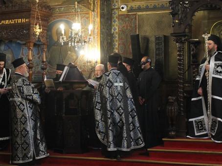 """Второто """"Последование на Жениха"""" съборно бе изпълнено в митрополитската катедрала """"Св. Неделя"""""""